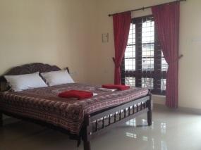 A Queensize bed room